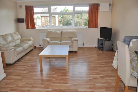 2 bedroom flat to rent - Greville  Court, South Vale, Harrow, HA1 3PL
