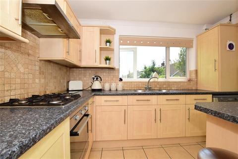 4 bedroom bungalow for sale - Carsey Close, Ramsden Heath, Billericay, Essex