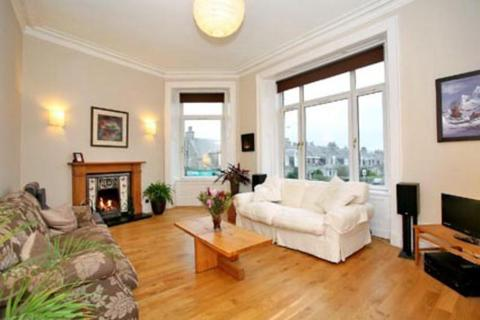 3 bedroom flat to rent - Rosemount Place, First Floor Left, AB25