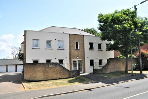 2 bedroom flat to rent - Wood Street, Chelmsford, Essex