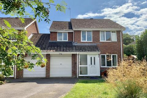4 bedroom detached house for sale - Hawker Close, Merley, Wimborne, BH21 1XW
