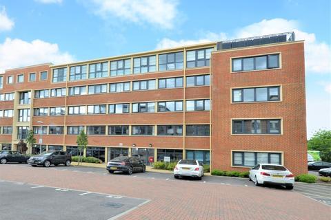 2 bedroom apartment to rent - Wessex Court, Farnborough