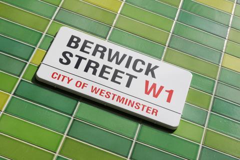 Studio to rent - Berwick Street, Soho
