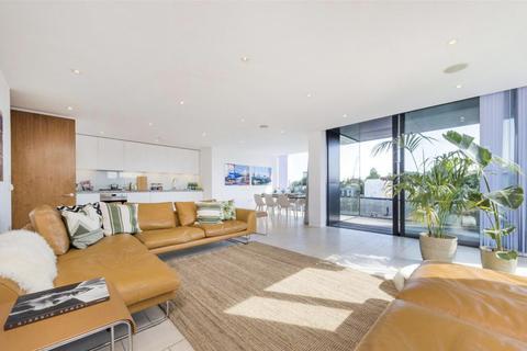 3 bedroom apartment to rent - Latitude House