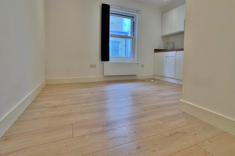 1 bedroom flat to rent - High Street, Woking