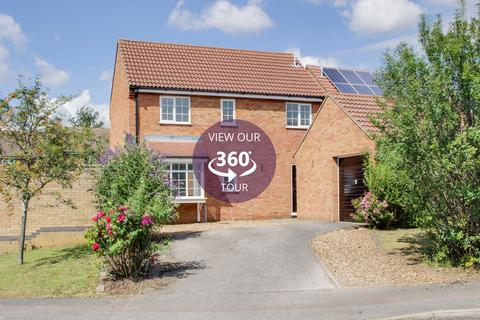 4 bedroom detached house for sale - Muntjac Close, Eaton Socon, St. Neots