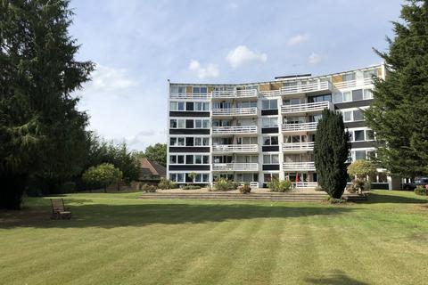 3 bedroom flat for sale - Penton Hall Drive, Staines Upon Thames, TW18