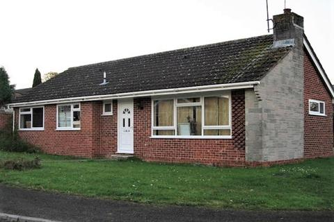 3 bedroom detached bungalow to rent - Hungerford Drive, Maidenhead, Berkshire