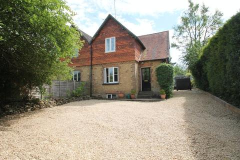 4 bedroom semi-detached house for sale - High View, Gomshall