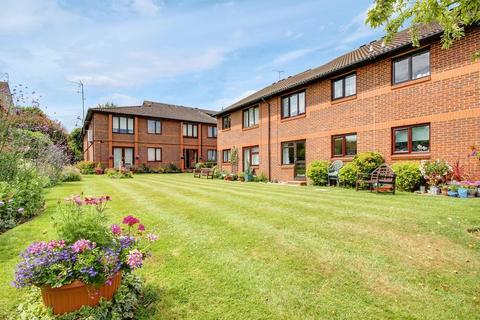 2 bedroom retirement property for sale - Regency Court, Enfield