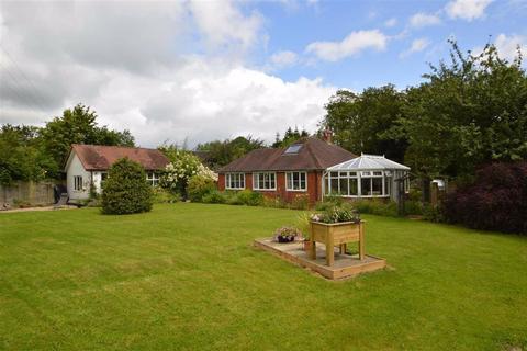 3 bedroom bungalow for sale - Brookside, Vennington Road, Westbury, SY5
