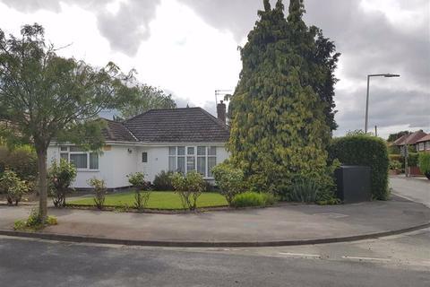 3 bedroom detached bungalow for sale - Silverdale Road, Gatley