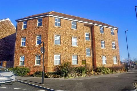 2 bedroom apartment for sale - Russell Close, Battle Hill, Wallsend, NE28