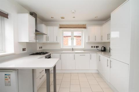 3 bedroom detached house for sale - Monks Close, Enfield EN2