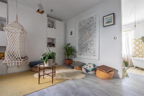 1 bedroom flat for sale - Livingstone Road, Hove