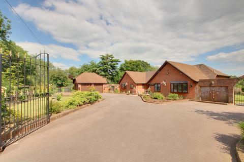 4 bedroom detached bungalow for sale - DURLEY