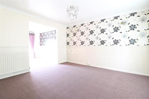 3 bedroom semi-detached house to rent - Leygreen Close, Luton