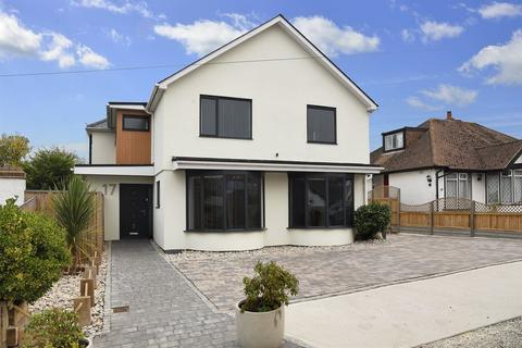 5 bedroom detached house for sale - Thurston Park, Whitstable