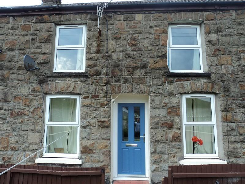 2 Bedrooms Terraced House for sale in Cardigan Terrace, Nantymoel, Bridgend. CF32 7NH