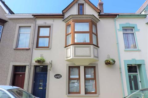 5 bedroom terraced house for sale - Vergam Terrace, Fishguard