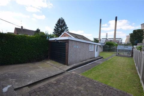 3 bedroom semi-detached house for sale - Pontefract Road, Ferrybridge, WF11