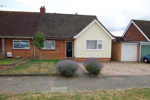 3 bedroom semi-detached bungalow for sale - Bridport Avenue, Ipswich, IP3