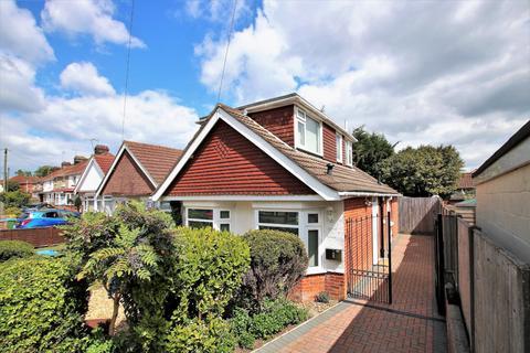3 bedroom detached bungalow for sale - Midanbury, Southampton