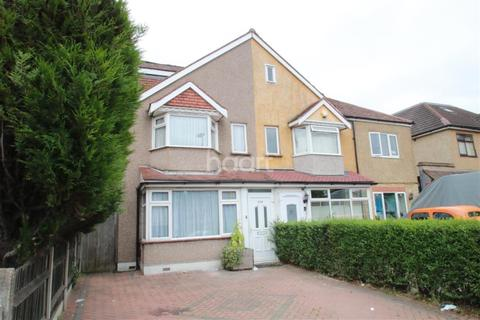 4 bedroom semi-detached house to rent - Sutton