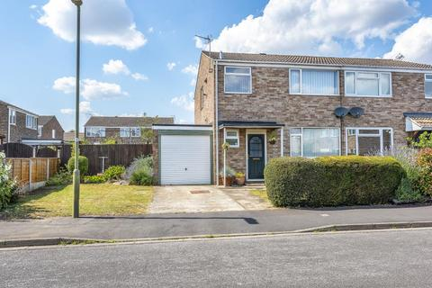 3 bedroom house for sale - Hampden Close, Bicester, OX26