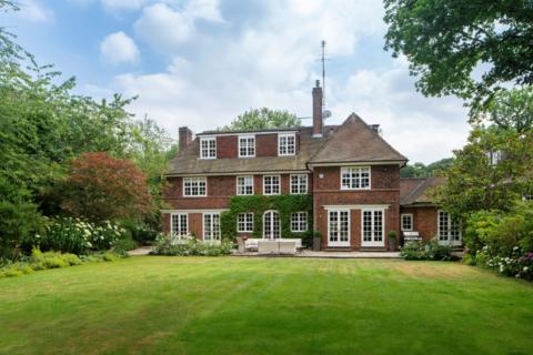 6 bedroom house for sale - Ingram Avenue, London. NW11