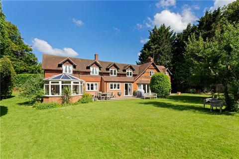 5 bedroom detached house for sale - Skippetts Lane West, Basingstoke, Hampshire, RG21