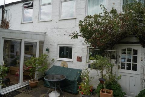 5 bedroom cottage for sale - North Halls, Binbrook