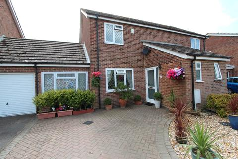 3 bedroom semi-detached house for sale - HIGHCLIFFE ON SEA