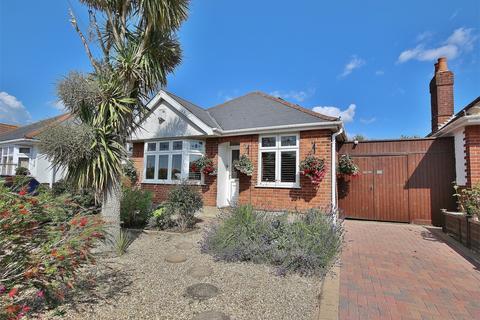 2 bedroom detached bungalow for sale - Kingsbere Road, Oakdale, POOLE, Dorset