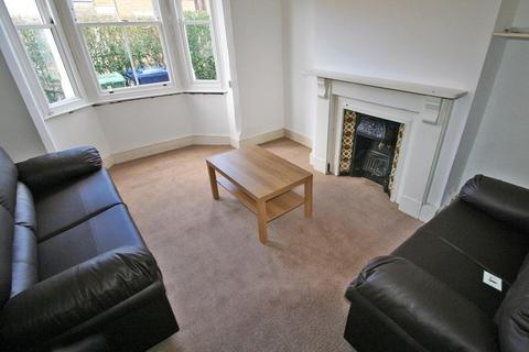 4 bedroom terraced house to rent - Bullingdon Road, Oxford