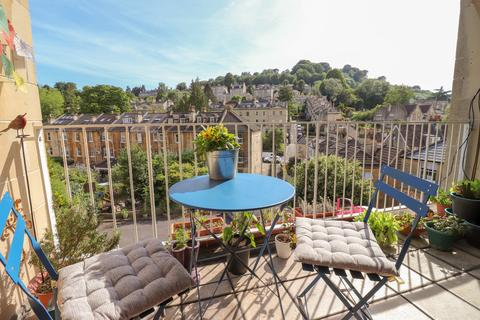 2 bedroom apartment for sale - Glebe House, Widcombe Hill, Bath