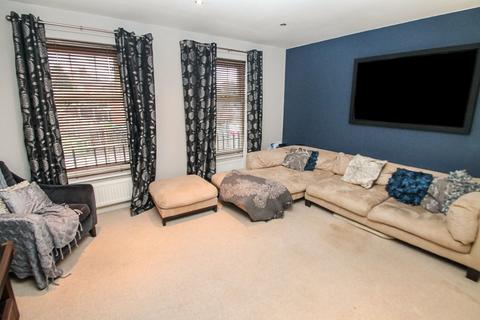 4 bedroom end of terrace house to rent - ALL BILLS INCLUDED, Raynville Way