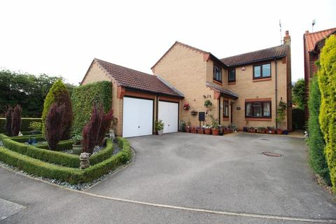 4 bedroom detached house for sale - Angus Drive, Driffield