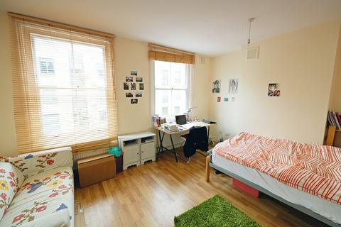 3 bedroom maisonette to rent - Gifford Street, Islington, N1