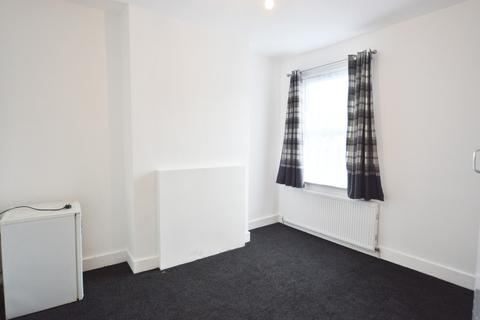 1 bedroom house share to rent - Ferndale Road, London N15