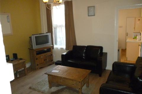 3 bedroom terraced house to rent - Fashoda Road, Selly Park, Birmingham, B29
