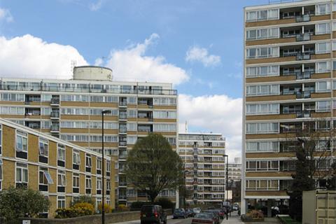 3 bedroom flat to rent - Churchill Gardens, Pimlico