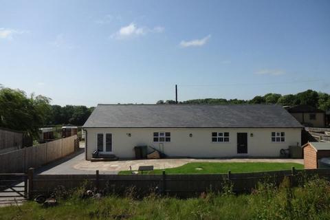 3 bedroom bungalow for sale - Cuckoo Lane, Tonbridge