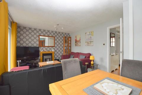3 bedroom terraced house for sale - Copenhagen Close, Marsh Farm, Luton, Bedfordshire, LU3 3TE