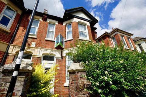 5 bedroom detached house to rent - Newcombe Road, Southampton, SO15 2FS