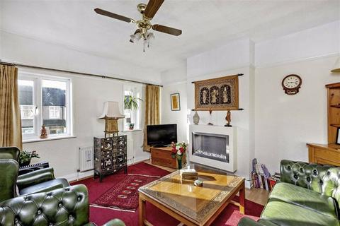 3 bedroom flat for sale - Northborough Road, London