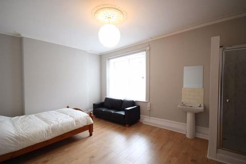 1 bedroom house share to rent - Room Queens Road £430pcm