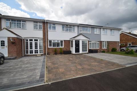 3 bedroom terraced house for sale - Tilbury Road, Rainham, Gillingham, ME8