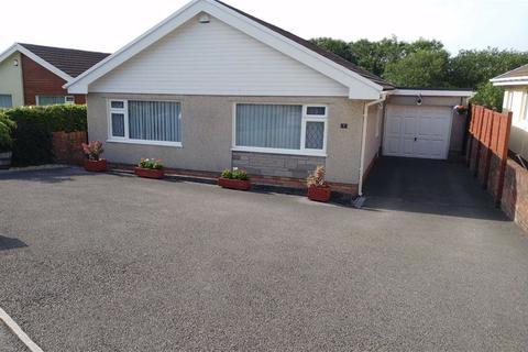 3 bedroom detached bungalow for sale - Ocean View Close, Swansea, SA2