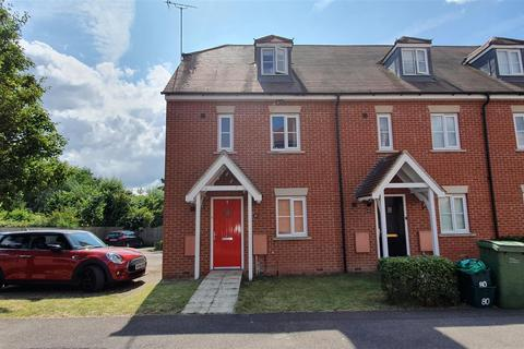 3 bedroom end of terrace house for sale - Fallows Road, Padworth, Reading